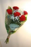 bukett-röda-rosor